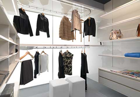 Augusto Custom: tailor made closet system by Metalprogetti Casa