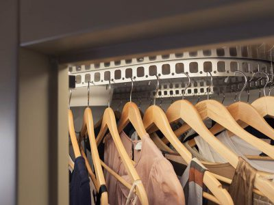 Augusto Custom: the technological closet system by Metalprogetti Casa