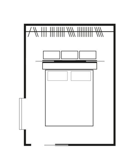 Soluzione per cabina armadio con vano posizionato dietro al letto