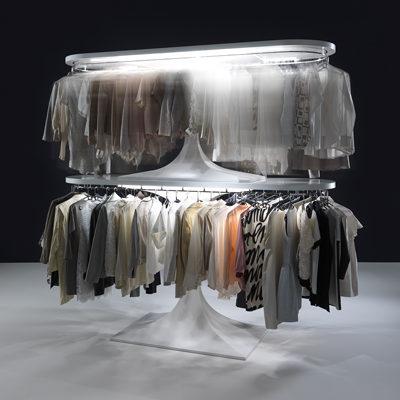 Esempio di realizzazione di un guardaroba tecnologico con Augusto Cup by Metalprogetti Casa